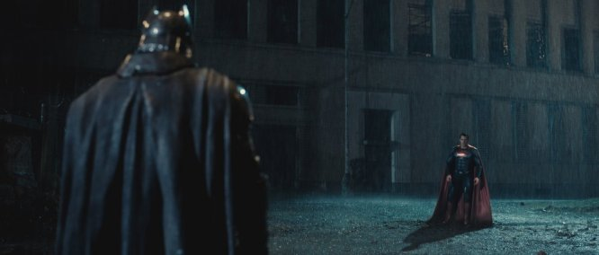 batman-v-superman-dawn-of-justice-2016-001-duo-face-off-in-rain.jpg