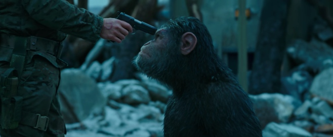 war-for-the-planet-of-the-apes-ceasar-and-woody-gun-to-the-head